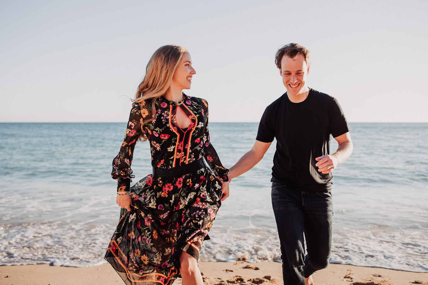 engagement-session_beach_algarve_porches_vila-vita-parc_sunset_couple